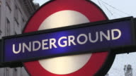 CU Signboard of underground station piccadilly circus / London, Great Britain