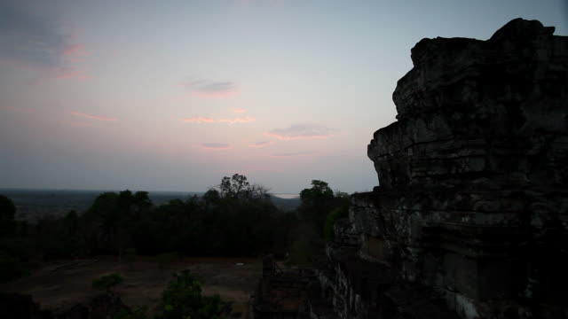 WS Silouette of temple at Sunset / Siem Reap, Siem Reap, Cambodia