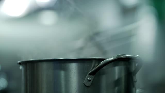 Simmering Wasser