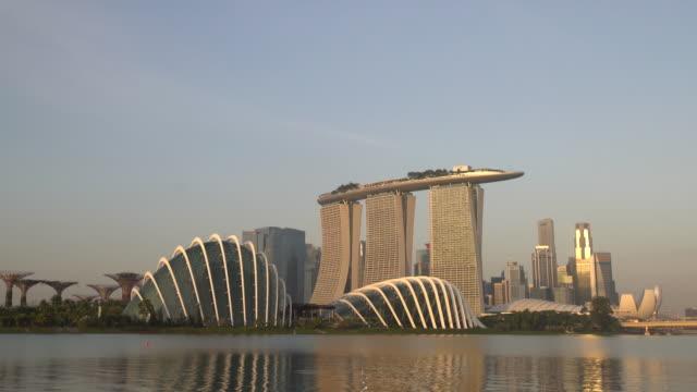 WS ZI Singapore skyline at sunrise