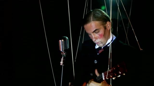 singer - guitarist puppet