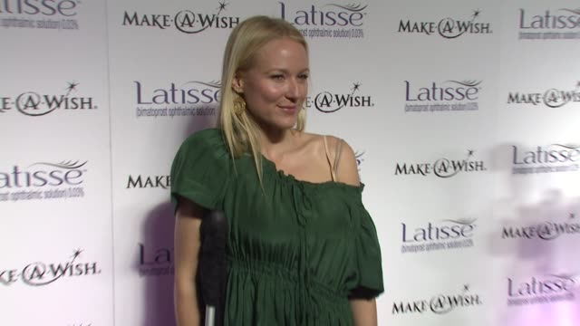 Singer Jewel at the Launch Party for Latisse at Los Angeles CA