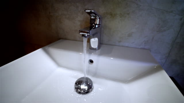 Sink Faucet - Hand Tap On and Off - 4K