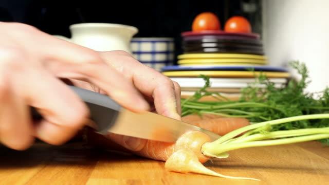 Rasen Karotten in der Küche