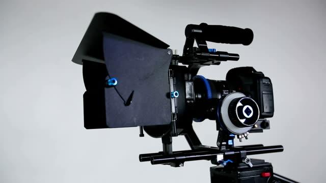 Slider with moving DSLR video camera