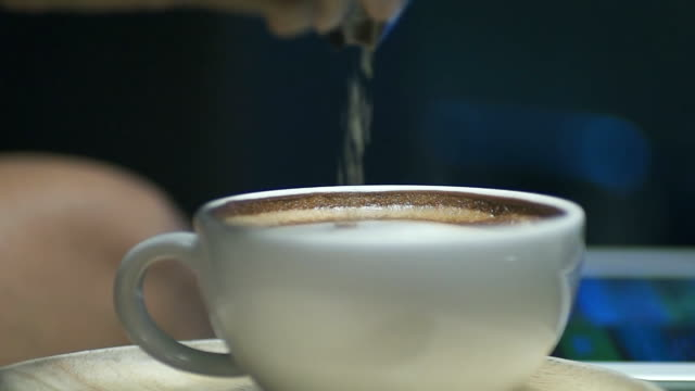 Slow Motion : Coffee time