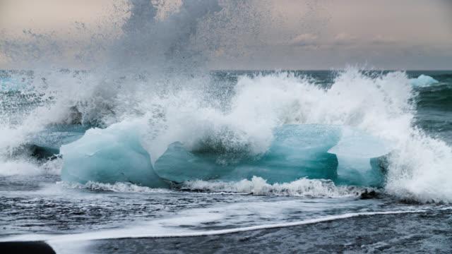 Slow Motion Icebergs at Jokulsarlon Beach - Iceland