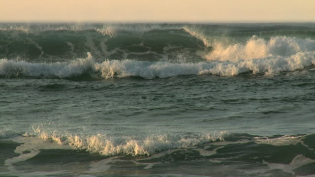 slow motion rolling waves