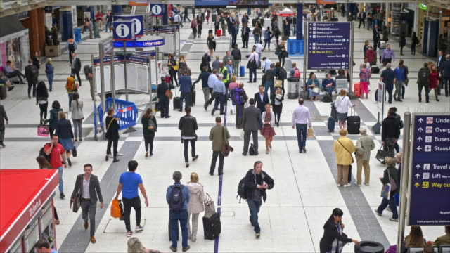 Slow motion video at Liverpool Street Station at Rush Hour
