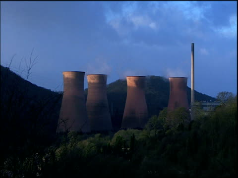 Slow zoom in to cooling towers of Iron Bridge Power Station Coalbrookdale