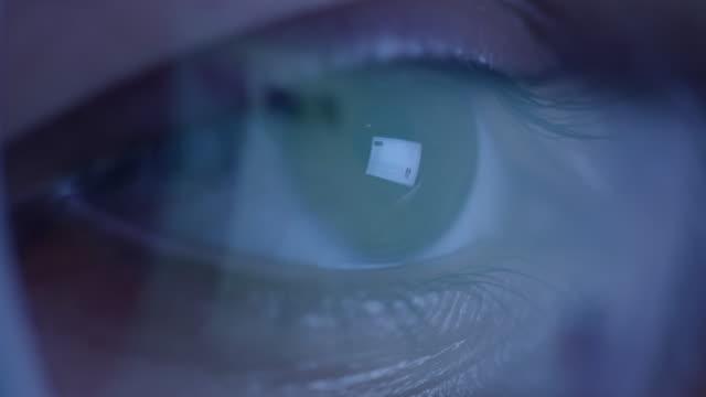 CU Smart phone reflected in glasses
