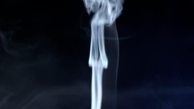 smoke flowing (струящийся дым)