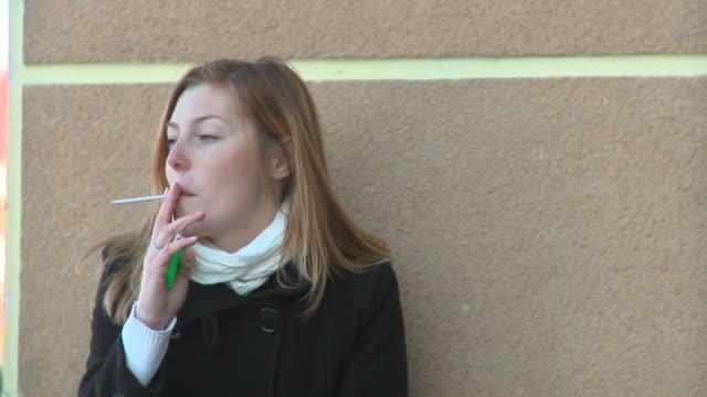 HD DOLLY: Smoking