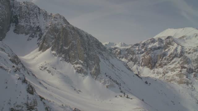 WS POV Snow covered mountains / Mammoth Lakes, California, USA