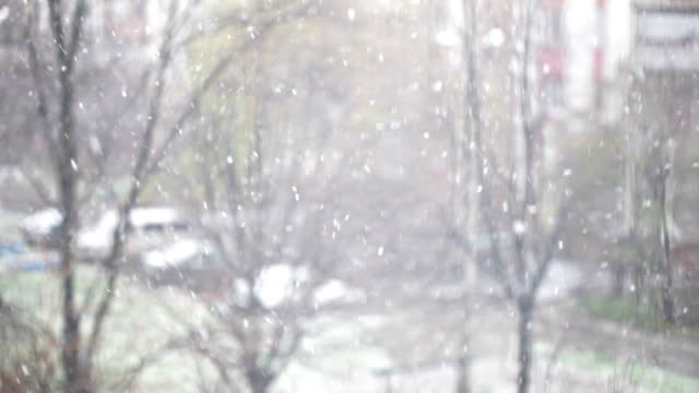 Nevicata in strada-sfondo di inverno