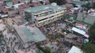 Socorristas intentaban el miercoles encontrar sobrevivientes tras el sismo de 71 grados que dejo mas de 200 muertos en Mexico