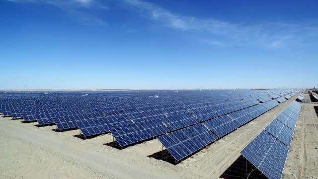 Solarzellen in das Feld