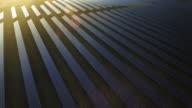 Veduta aerea della stazione di energia elettrica al tramonto cavalcavia scatto (4 k UHD) /