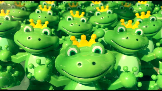 Solar Powered Frog Prince Toys