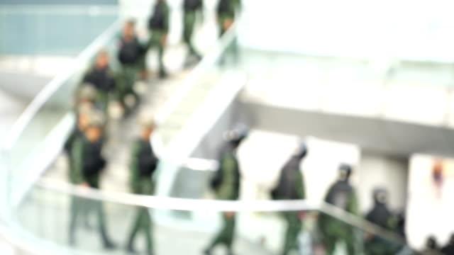 Soldaten in der Stadt