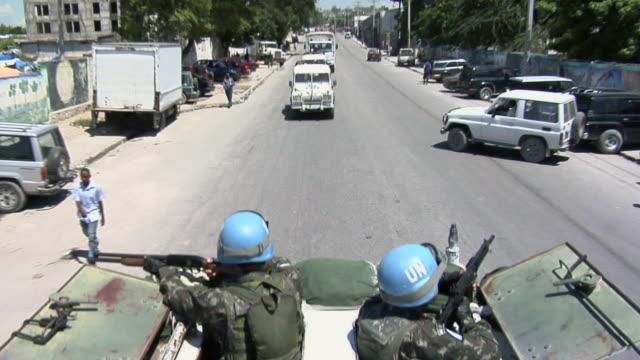 MS POV Soldiers at tank / Haiti