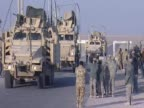US soldiers leave Iraq crossing the border to Kuwait