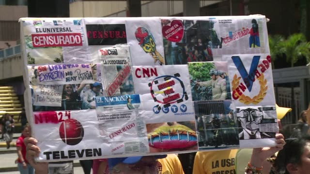 Some 200 journalists and communications students marched Friday in Caracas to demand freedom of expression as organisations like Human Rights Watch...