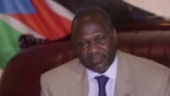 South Sudanese opposition leader Riek Machar announced he will travel to Uganda to meet President Yoweri Museveni to discuss the peace process the 28...