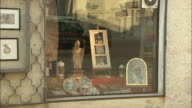 Souvenir shop, pope in south tyrol