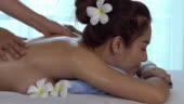 37Американская порно звезда наслаждается массажем. Просто массажем