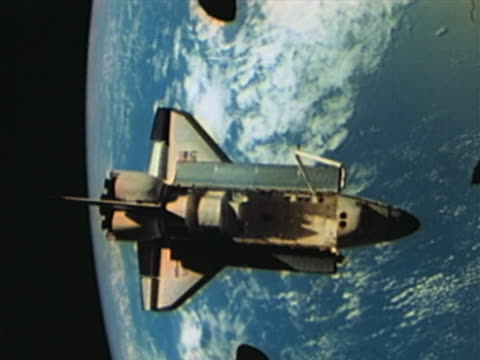 Space Shuttle orbiting the Earth, Payload Bay open
