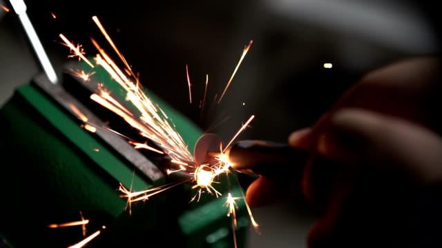 Sparks Abreibungen iron steel