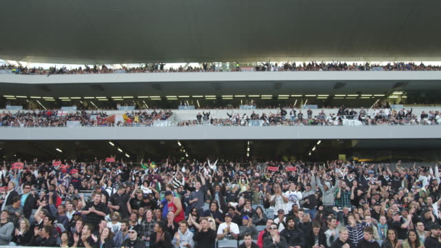 MS Spectators cheer during game at Eden Park Stadium / Auckland, New Zealand