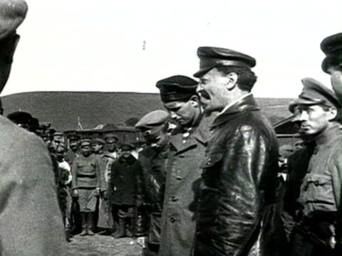MS Speech to soldiers Trotsky watching soldiers marching cannon firing AUDIO/ Russia