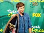 Zac Efron at the 2009 Teen Choice Awards Press Room at Universal City CA
