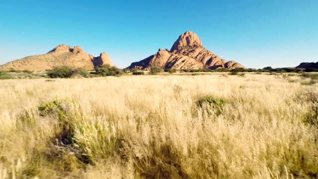 HELI Spitzkoppe & Pontok Mountains
