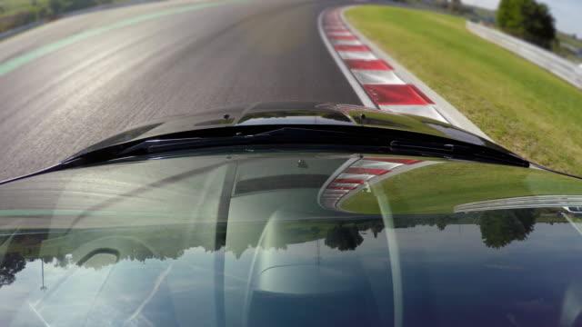 Sports Car racing, versuchen, die perfekte Runde zu erreichen