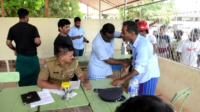 Sri Lankan muslims made homeless after two days of anti muslim riots in Sri Lankas tourist region of Alutgama have demonstrated against radical...