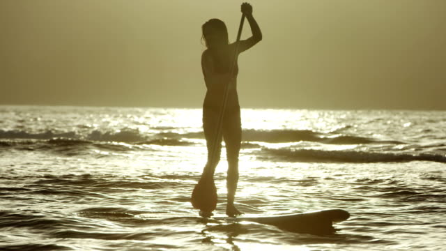 Stand up Paddle Surf nell'oceano