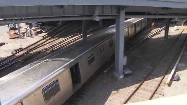 Staten Island Rapid Transit train was involved in a minor derailment at the St George Terminal