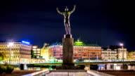 Statue Cityscape Time Lapse