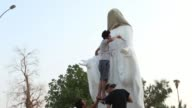 A statue of the Virgin Mary which was to be inaugurated on Tuesday in Iraq's Basra was removed overnight at the request of the episcopate over fears...