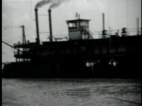 1929 B/W MONTAGE Steamer on Mississippi river / New Orleans, Louisiana