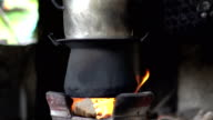 Steaming food using firewood