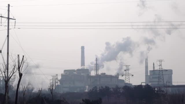 Steel factory ist die Produktion, Kamin-Emissionen.