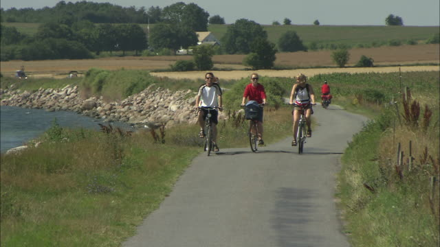 Still shot of bikes coming at the camera