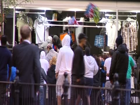 Store being attacked by looters during riots in London August 2011