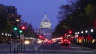 Straße in die Vereinigte Staaten Capitol Gebäude in Washington, DC