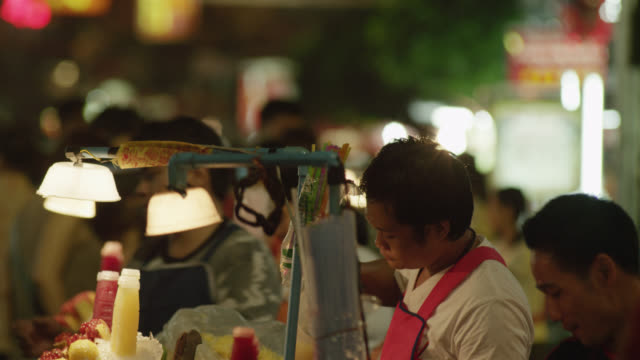 LS TU street vendors selling fresh fruit juice, TU to  Chinese neon signage in Chinatown, RED R3D 4K