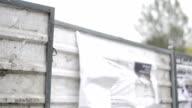 Forte vento, parete, rotto poster
